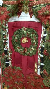 Christmas Quilted Wall-Hanging 'Poinsetta + Red Front Door'